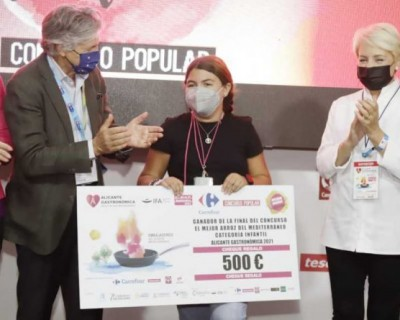 Alicante: Sukeina Hernández elabora el mejor arroz del Mediterráneo infantil