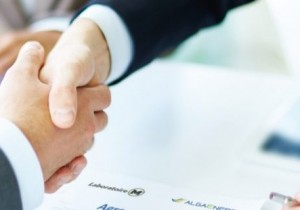 AlgaEnergy y Laboratoire M2 firman acuerdos para el desarrollo y distribución global de productos