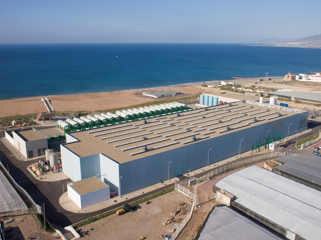 Campo de Dalías, una de las mayores desaladoras de Europa, entra en operación