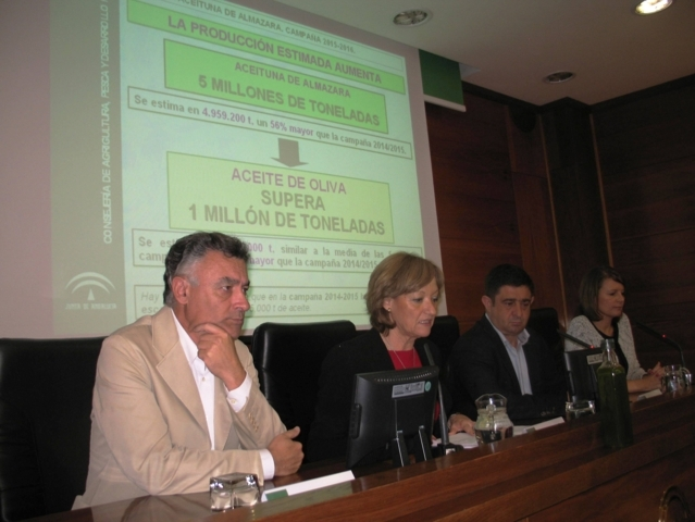 Andalucía espera una producción de aceite de oliva de más de un millón de toneladas