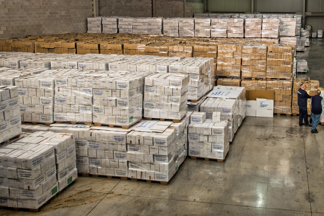 Los bancos de alimentos catalanes recogen 4,6 millones de kg de alimentos