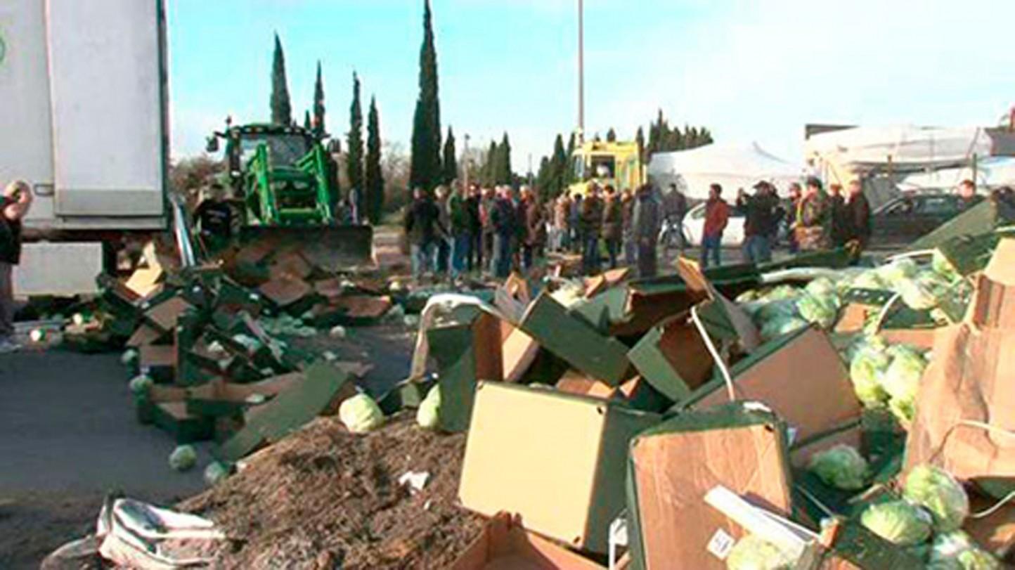Nuevo ataque en Francia a un camión español que transportaba verduras y cítricos