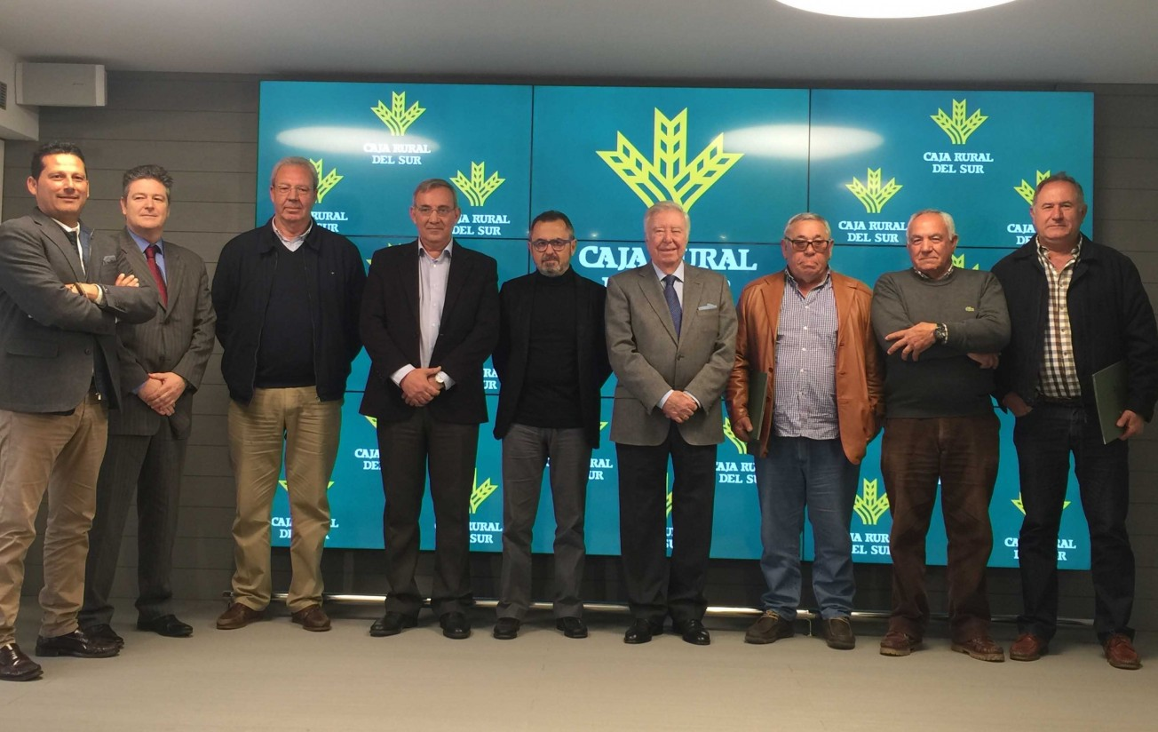 Fundación Caja Rural del Sur colabora con seis cooperativas para implantar uno nuevo sistema de fertirriego