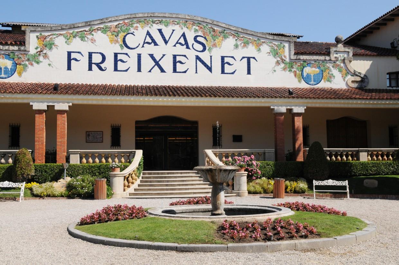 Freixenet aplaza, por el fallecimiento de Carmen Ferrer, un decisivo Consejo de Administración