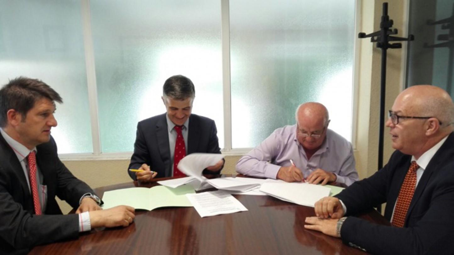 Acuerdo de ASAJA para promover la agricultura de precisión en el olivar a través de drones