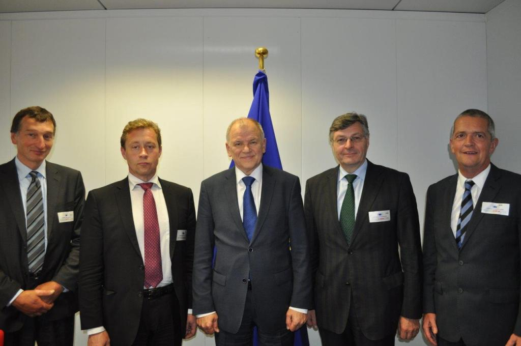 Los agricultores advierten del gran coste a pagar si no se renovara la autorización del glifosato en la UE