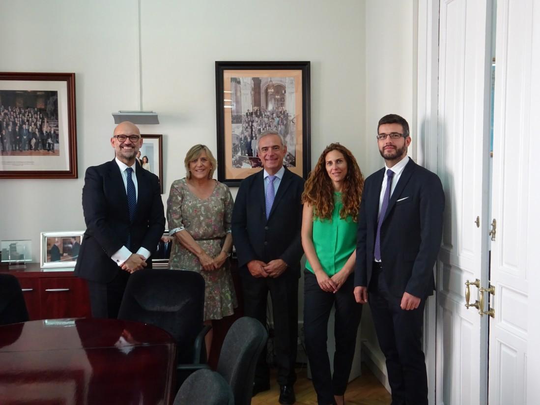 Veterindustria firma un convenio de colaboración con la Universidad Europea de Madrid