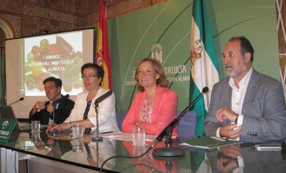 Aumento del 5% del volumen hortofrutícola de Almería, pero descenso del 2% de su valor en 2015/16