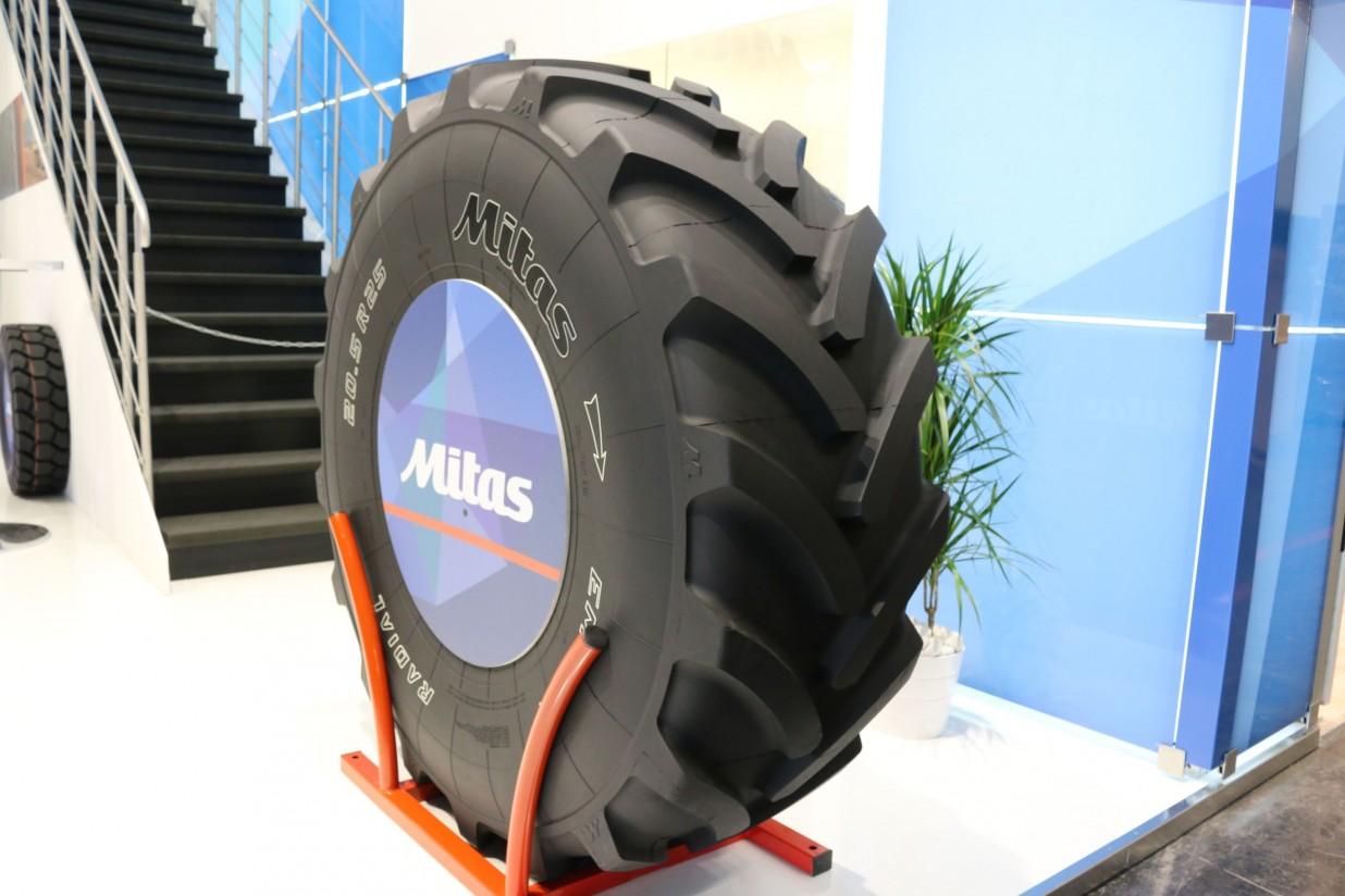 Mitas lanza al mercado un neumático para cargadoras agrícolas