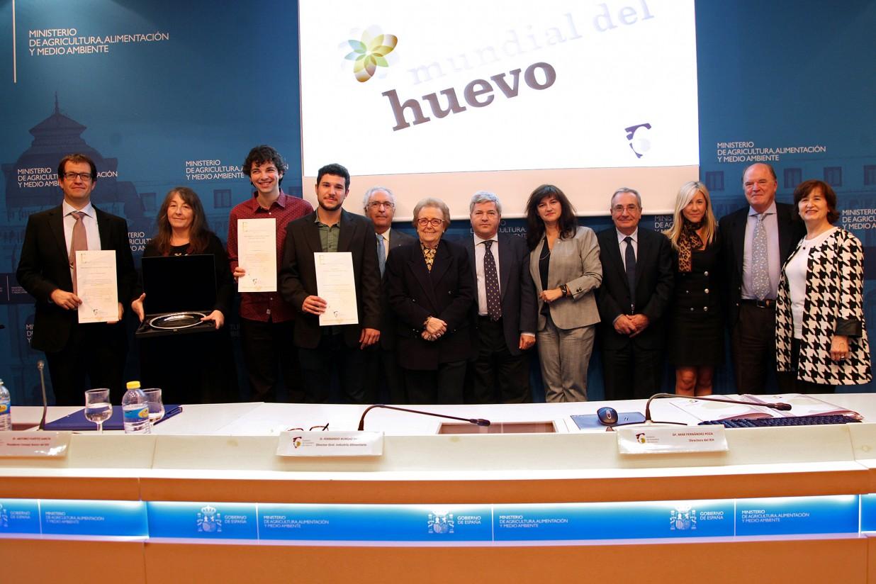 El Instituto de Estudios del Huevo entrega el Premio a la Investigación 2016 y el Galardón de Oro
