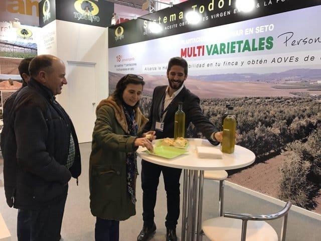 Todolivo presenta en Oleotec las últimas novedades en el cultivo del olivar en seto
