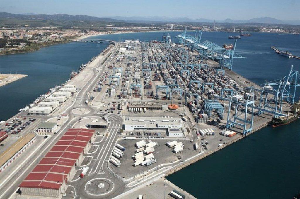 El superávit del comercio exterior alimentario aumentó un 12,4%, hasta 10.863,3 M€ en 2016