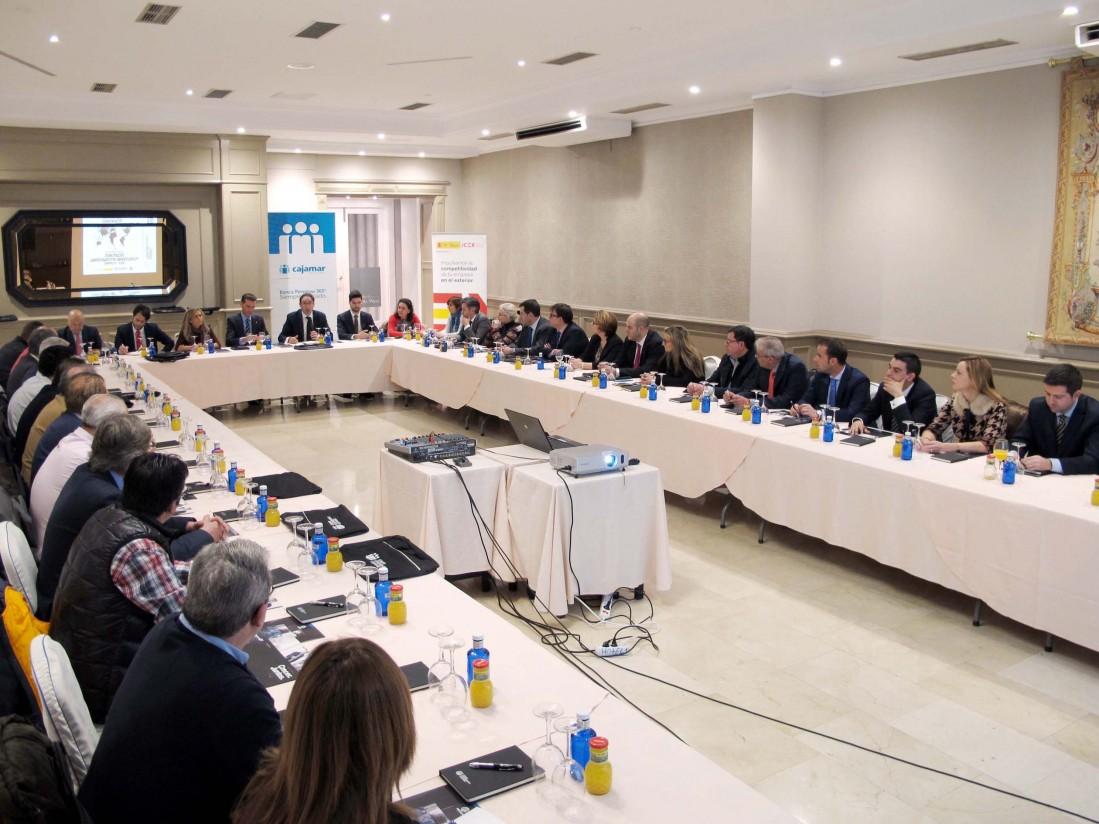 ICEX y Cajamar promueven la internacionalización de las empresas palentinas