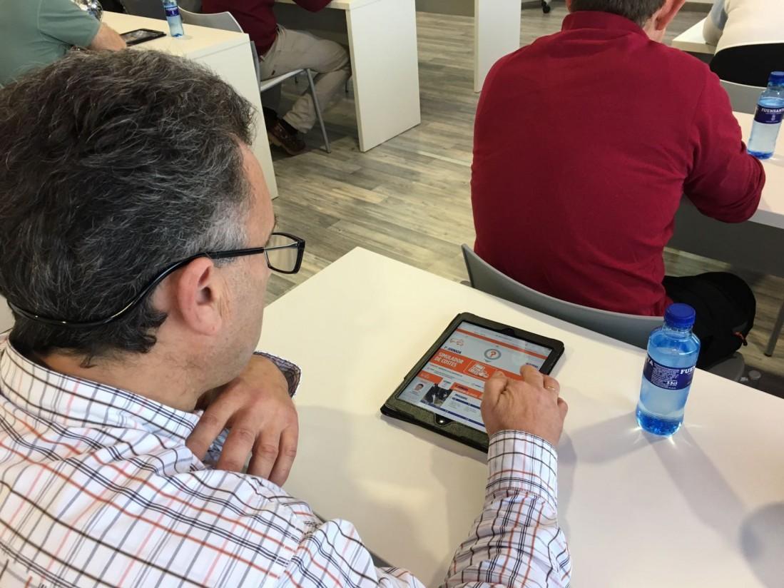 Ganaderos de leche de Cantabria y Asturias analizan el rendimiento de sus explotaciones