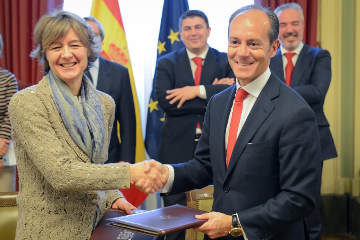 Convenio entre el Mapama y el Banco de Santander para apoyar al sector agroalimentario