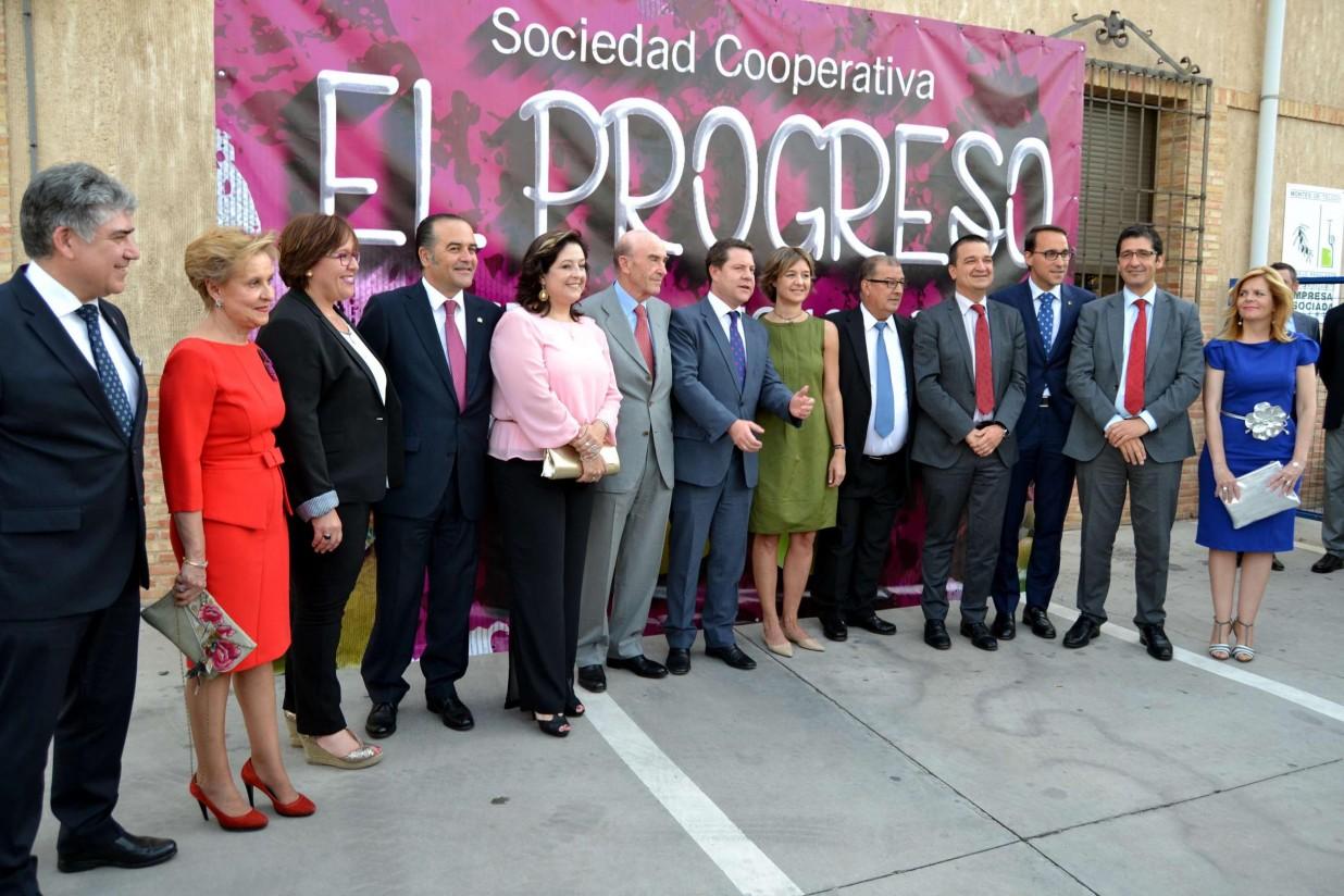 La cooperativa manchega El Progreso distingue a sus presidentes en el acto del Centenario