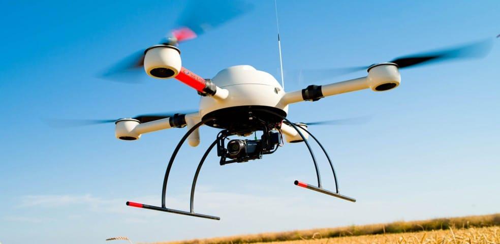 dron en campo
