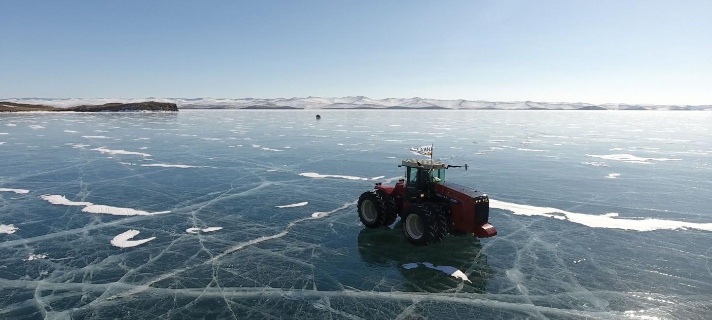 Mitas pone a prueba sus neumáticos en un congelado lago Baikal
