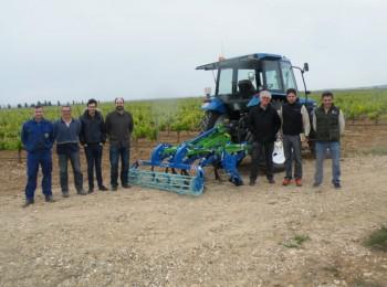 El cultivador Omoi SV9-R de Agromet muestra su labor en campo