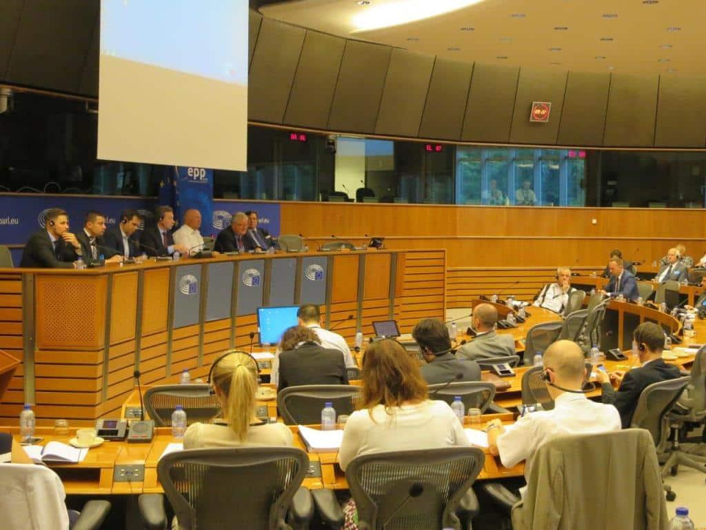 Impacto irrevocable en los cultivos si se prohíbe totalmente el uso de neonicotinoides en la UE