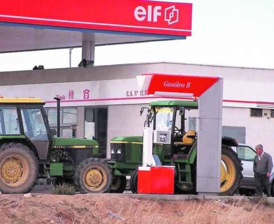 Los agricultores tendrán que pagar 15 € más por cada 1.000 litros de gasóleo agrícola consumido