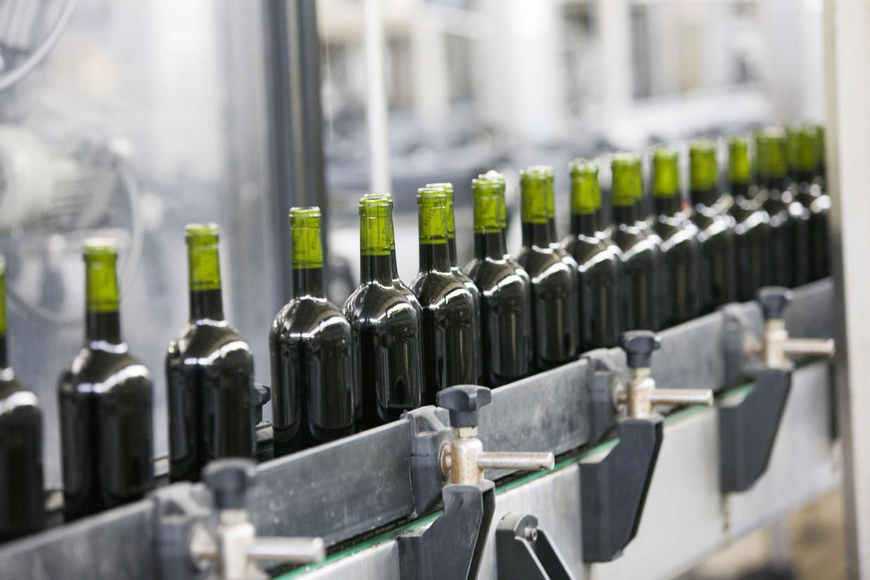 Las exportaciones españolas de vino crecen un 15% en mayo