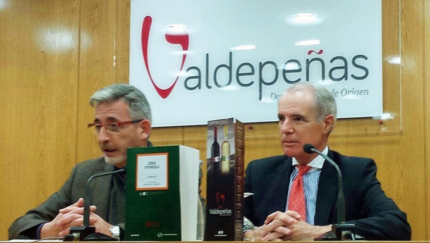 Presentado en Valdepeñas el Código Vitivinícola, guía legislativa del sector
