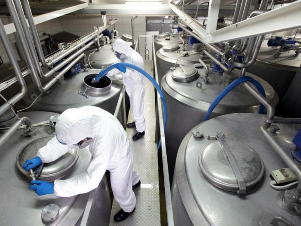 Significativo descenso del 4,7% del precio medio de la leche cruda de vaca en enero en la UE-28