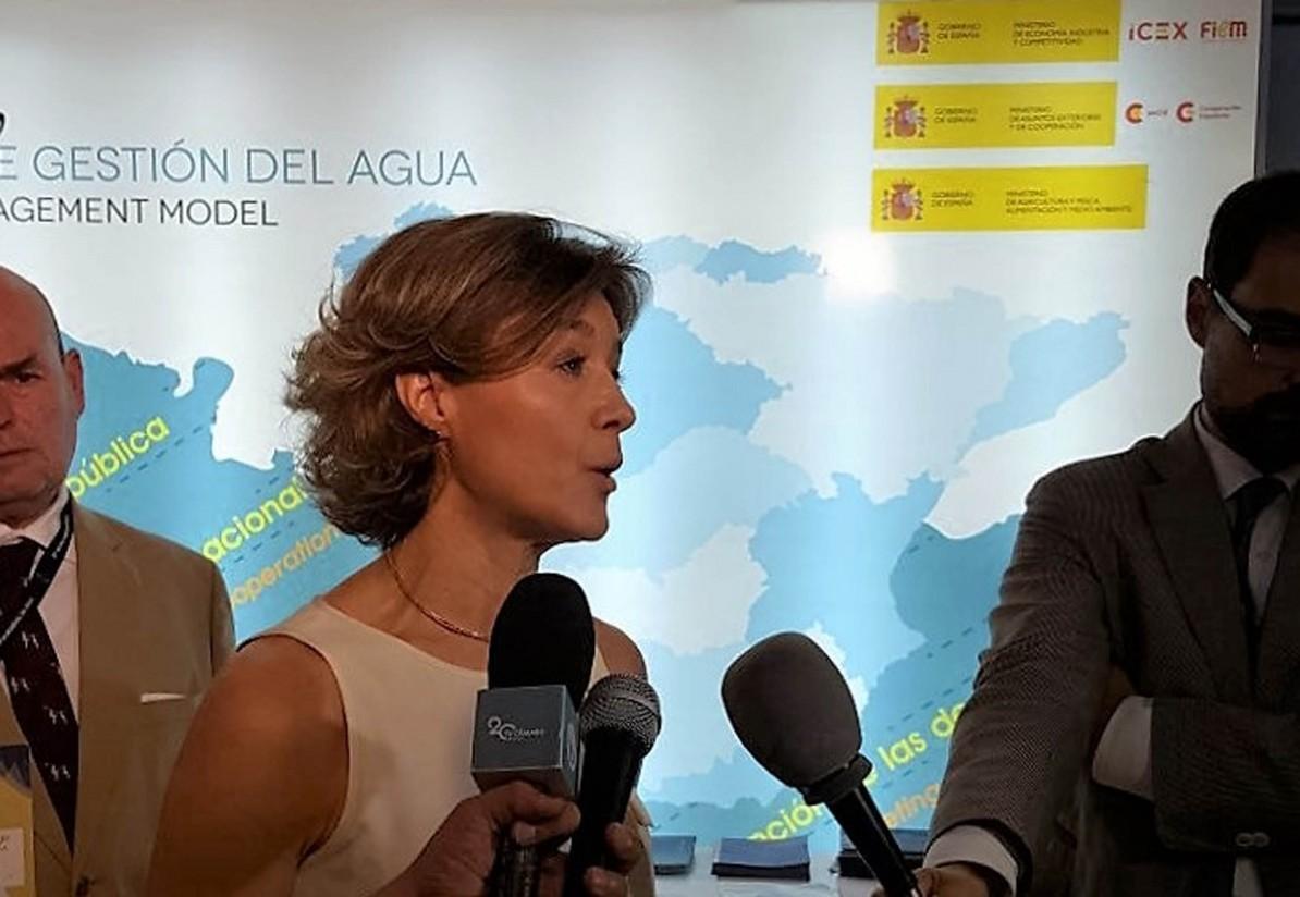 García Tejerina vende en Brasilia el modelo de éxito español de gestión del agua