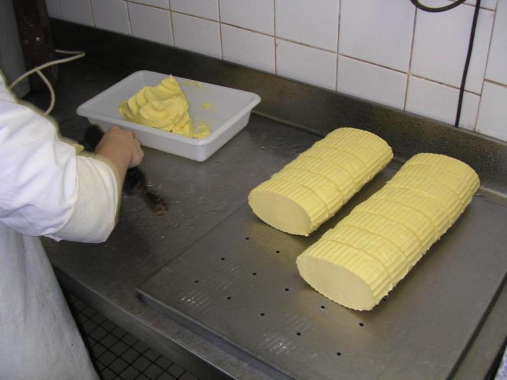 El precio medio de la mantequilla vuelve a superar los 500 €/100 kg en la Unión Europea