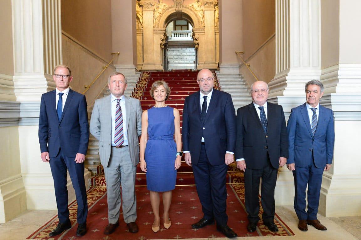 Seis Estados miembros piden a la CE que no se rebaje «ni un euro» el presupuesto de la PAC