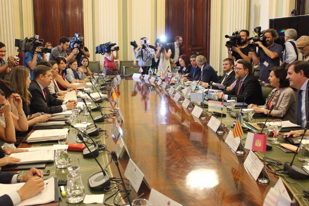 MAPA y CC.AA. no acordarán una posición común sobre la futura PAC antes del próximo otoño