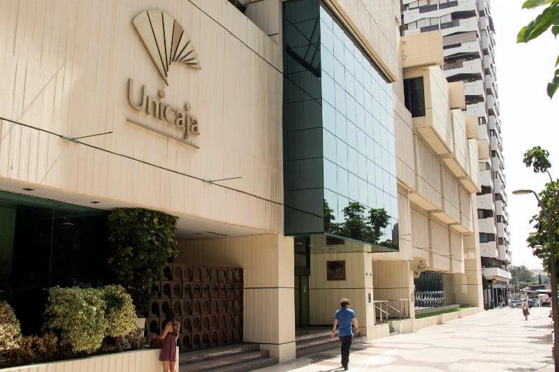 Unicaja Banco obtiene un beneficio neto de 104 millones de euros en el primer semestre