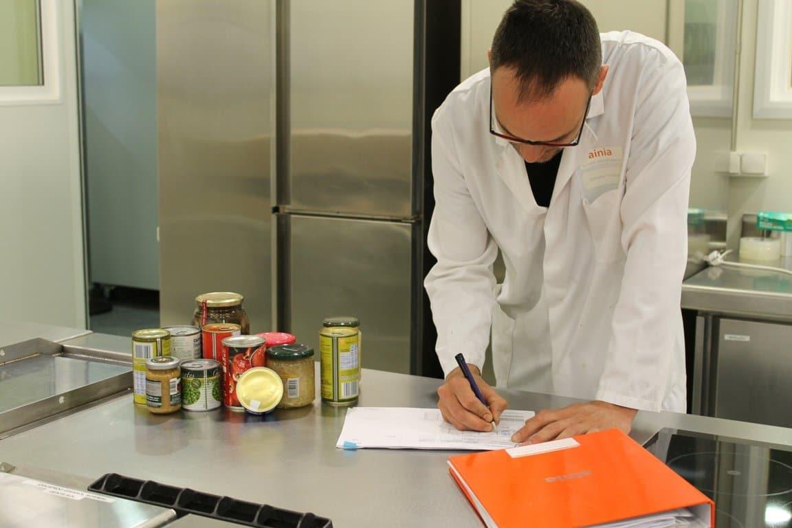 La industria alimentaria, campo profesional con mayor capacidad de generar empleo para la profesión veterinaria