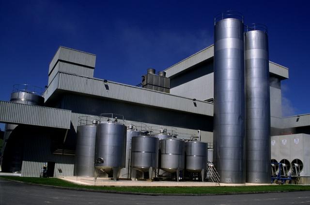 Competencia retomará el proceso tras anular la AN las multas de 88 M€ a 11 lácteas