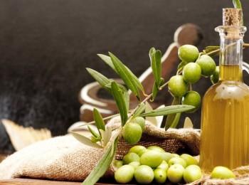 Las salidas de aceite de oliva al mercado se animan hasta enero, no así los precios en origen