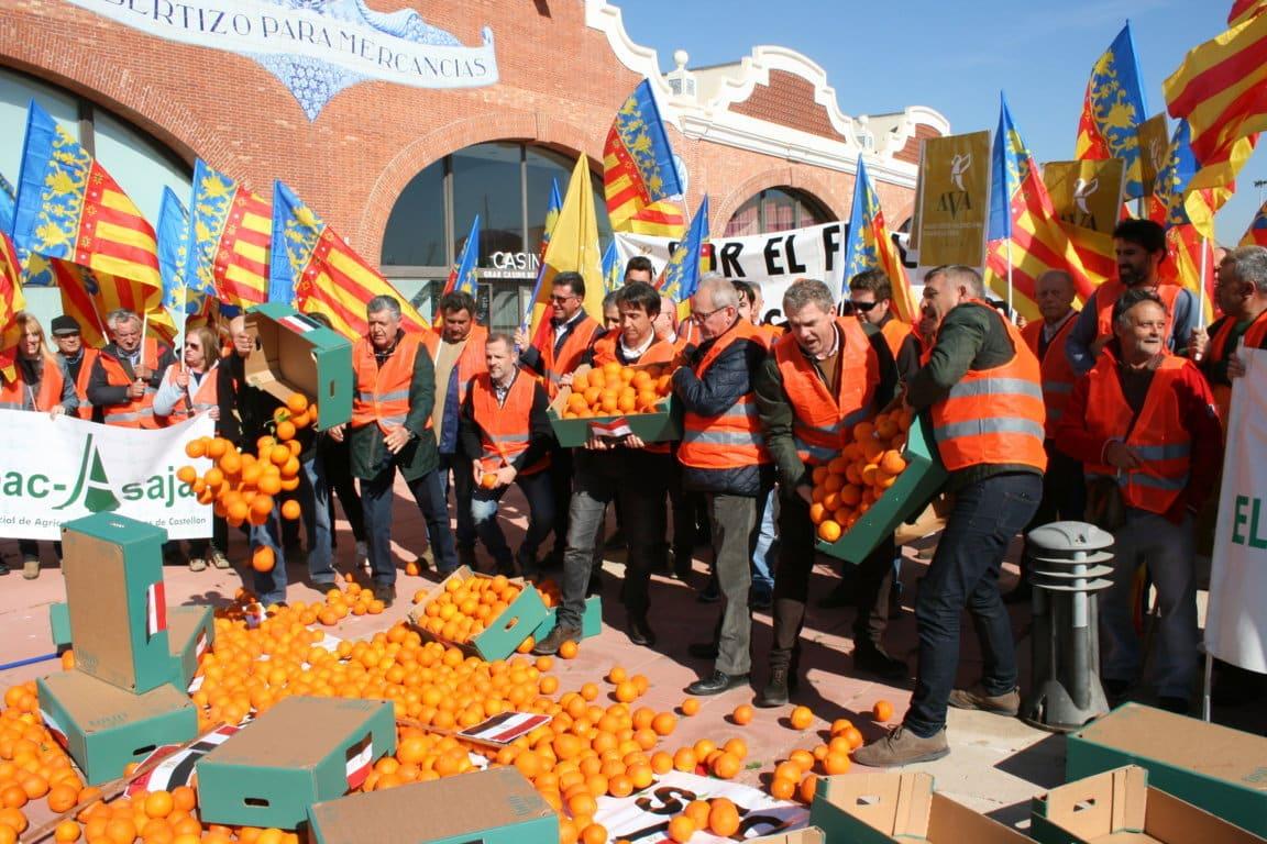 Citricultores valencianos advierten que darán a conocer los nombres de los comercios que venden naranjas foráneas