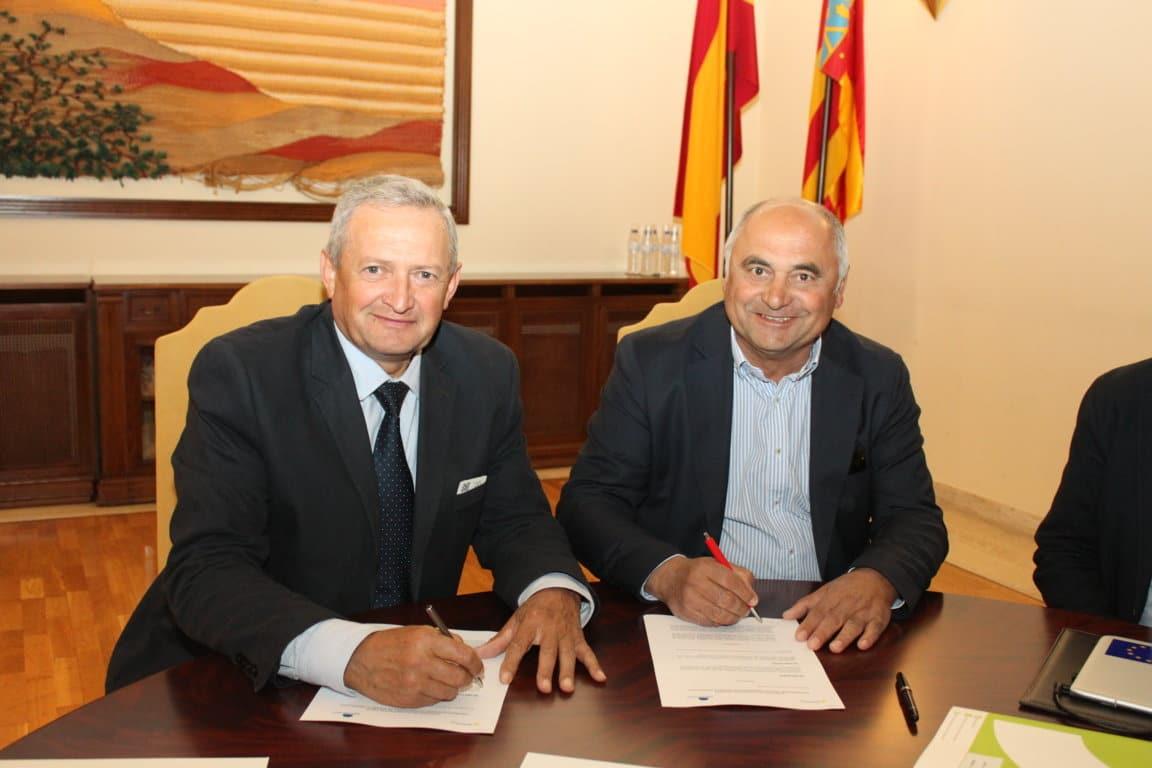 Cooperativas Agro-alimentarias  y AgroPelayo colaborarán en la difusión de seguros
