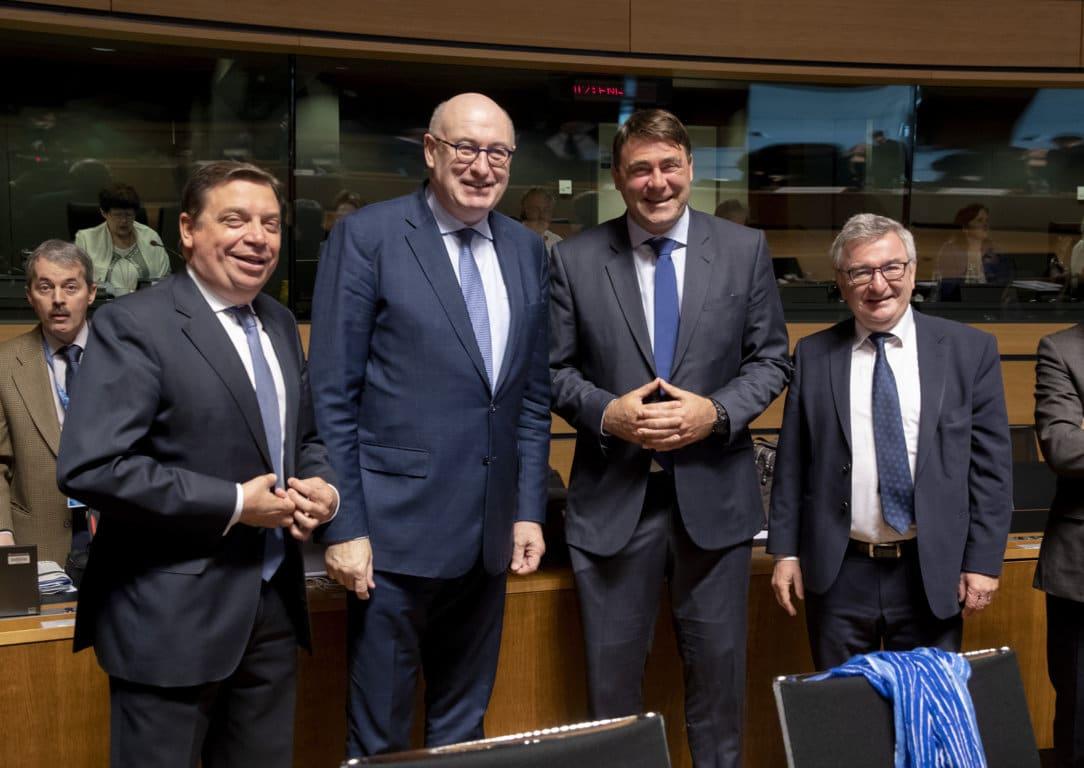 España urge a Bruselas a avanzar en la denuncia contra EE.UU. por los aranceles a la aceituna