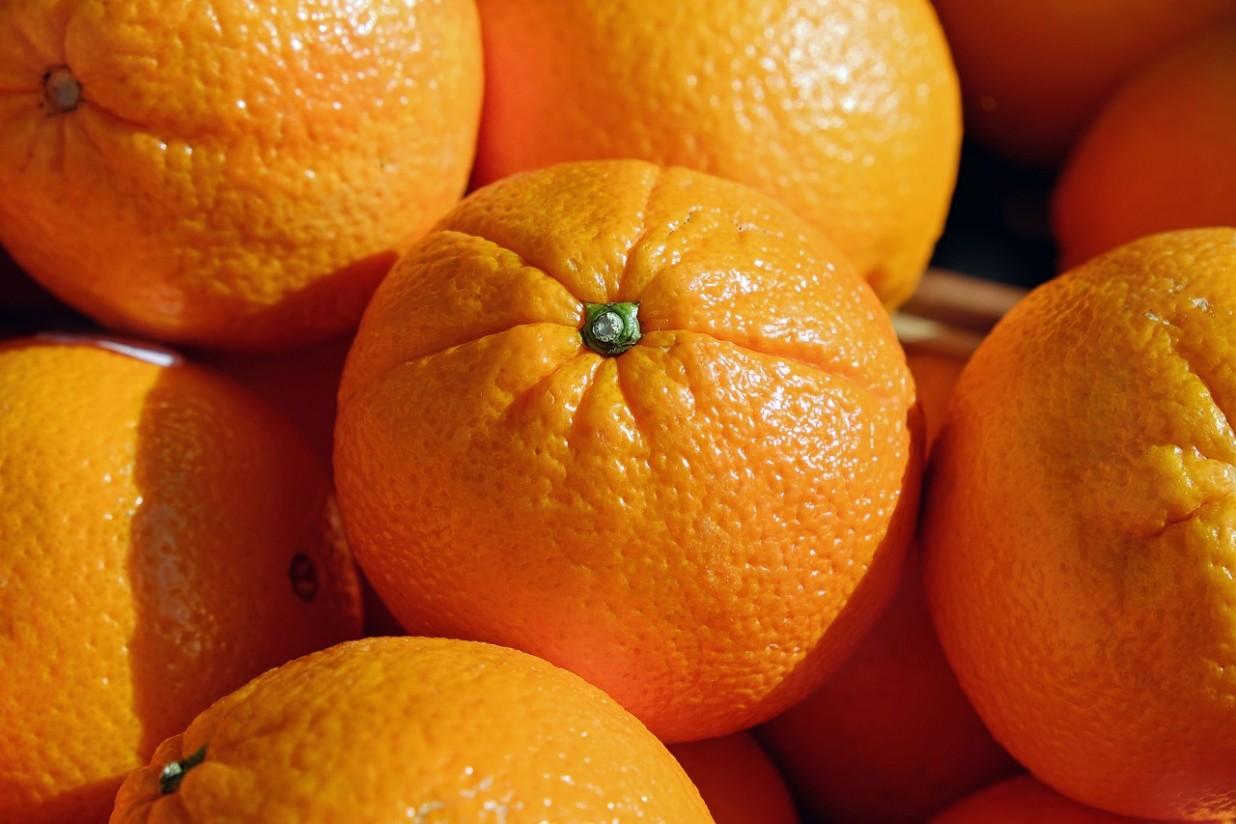 Sudáfrica utiliza en sus naranjas al menos 62 materias activas de pesticidas prohibidas en la UE, según Unión de Uniones