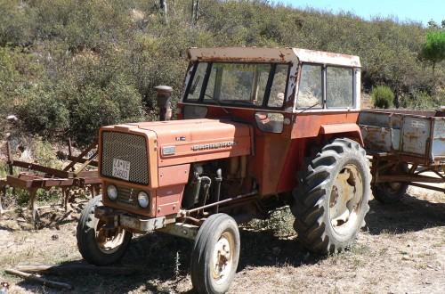 El MAPA prohíbe el cambio de titularidad de tractores de más de 40 años