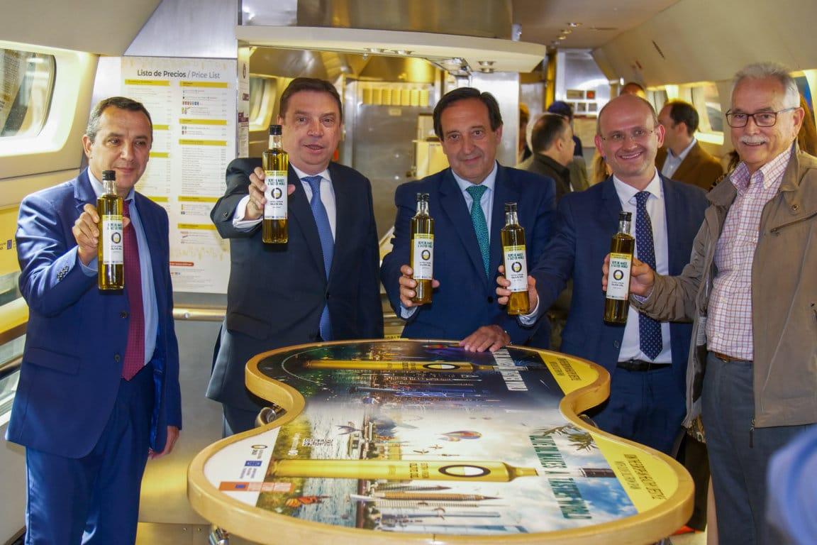 Aceites de Oliva de España y Renfe presentan el AVE de los Aceites de Oliva