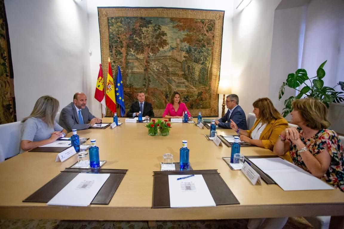 MITECO y Gobierno de Castilla-La Mancha intensificarán la cooperación en materia de agua y renovables