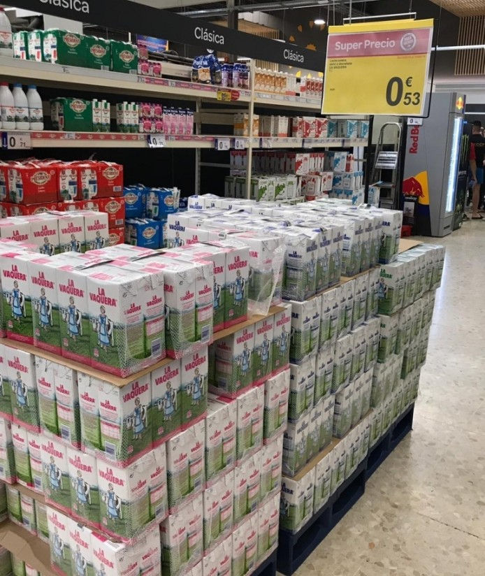 La OPL del Sur denuncia la venta de leche UHT como producto «reclamo» en Andalucía