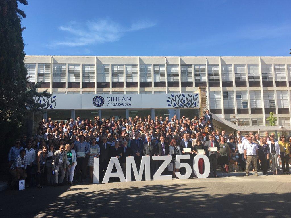 El Instituto Agronómico Mediterráneo de Zaragoza reúne a más de 200 ex alumnos por su 50 aniversario
