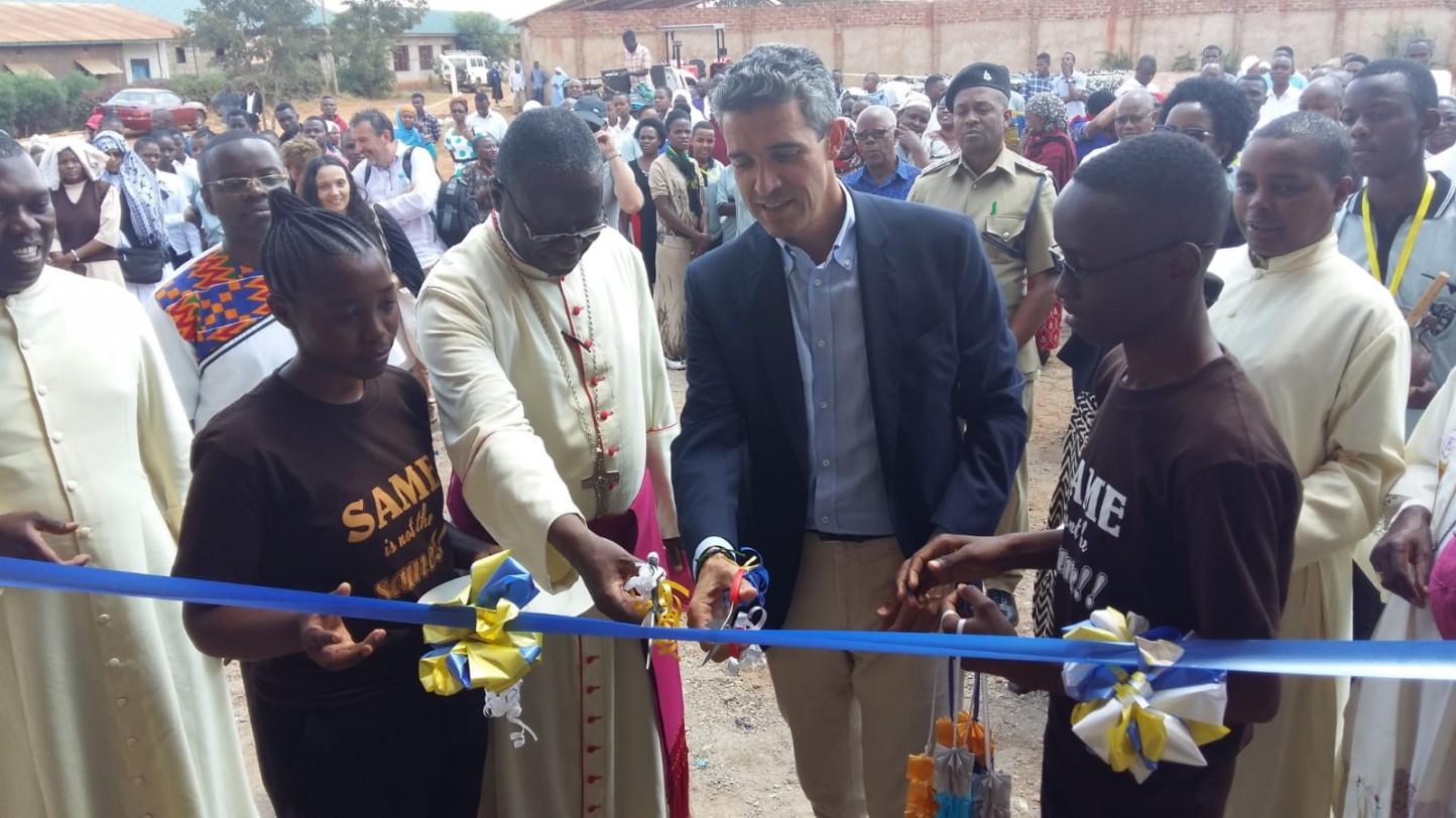 La Fundación Same apoya la construcción de una escuela de mecánica en Tanzania