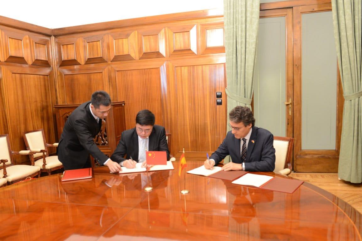 China abre la importación española de pulpa de aceituna para alimentación animal y de genética aviar