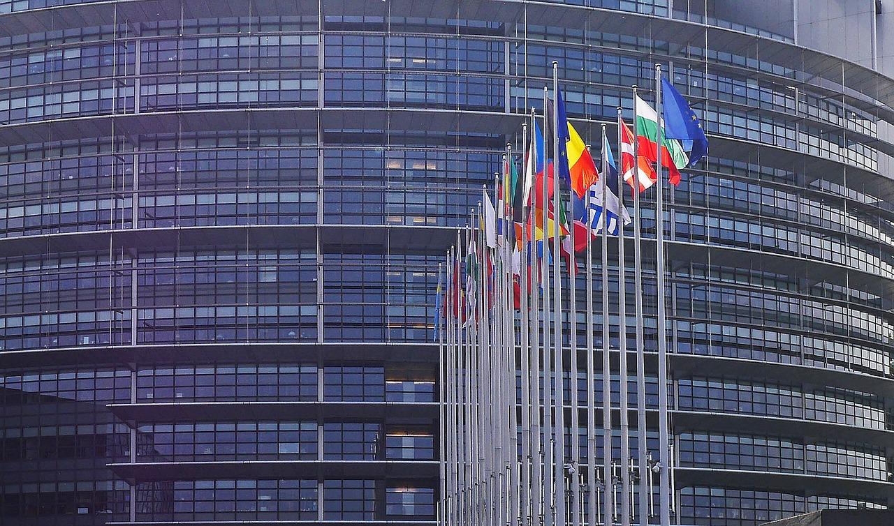 El PE pide elevar fondos del Marco Financiero 2021-27 y sumar el Plan de Recuperación post-Covid-19 de la UE