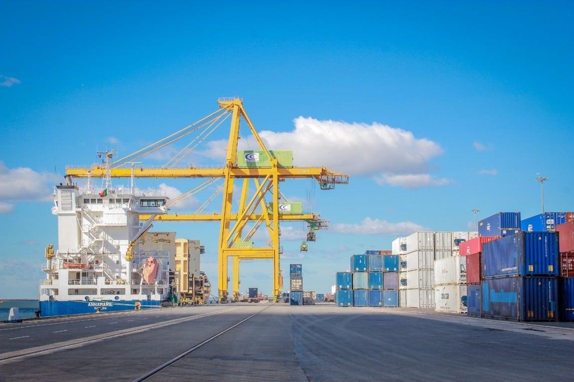 Casi un 30% de todos los bienes exportados en abril fueron alimentos y bebidas