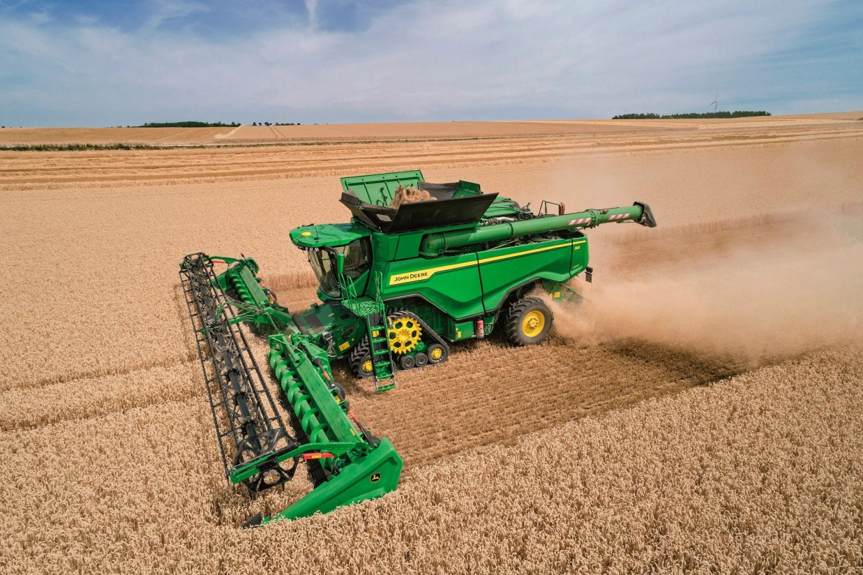 Las cosechadoras John Deere X9 1000 y X9 1100 llegan a Europa